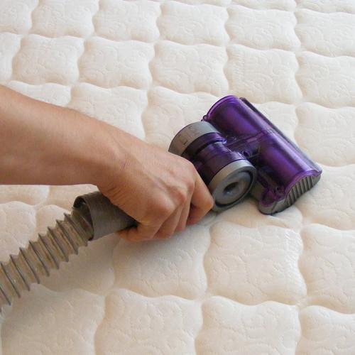 Mattress-Cleaning-Dust-&-Pollen-manhasset-new-york